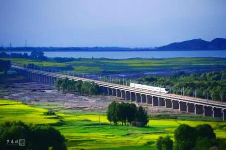 中国最美高铁旅游风景线-兰新高铁