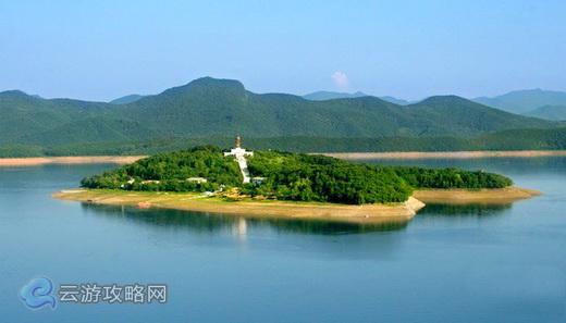 林芝骓鲁江边风景