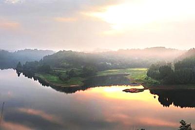 云游网 旅游景点 正文内容  外湖的风景已是如诗如画,想必内湖更会