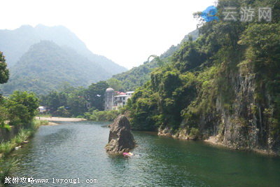 5,闽侯景点:十八重溪 十八重溪在距福建省福州约20公里的闽侯县南通