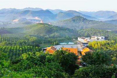 清源山风景区内的五百罗汉山原名九华石林,因特殊的地质地貌,造就了